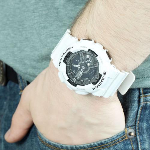 Мужские японские наручные часы Casio G-Shock GA-110GW-7A с хронографом